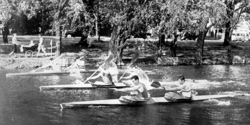Struer Kayaks being raced in 1960